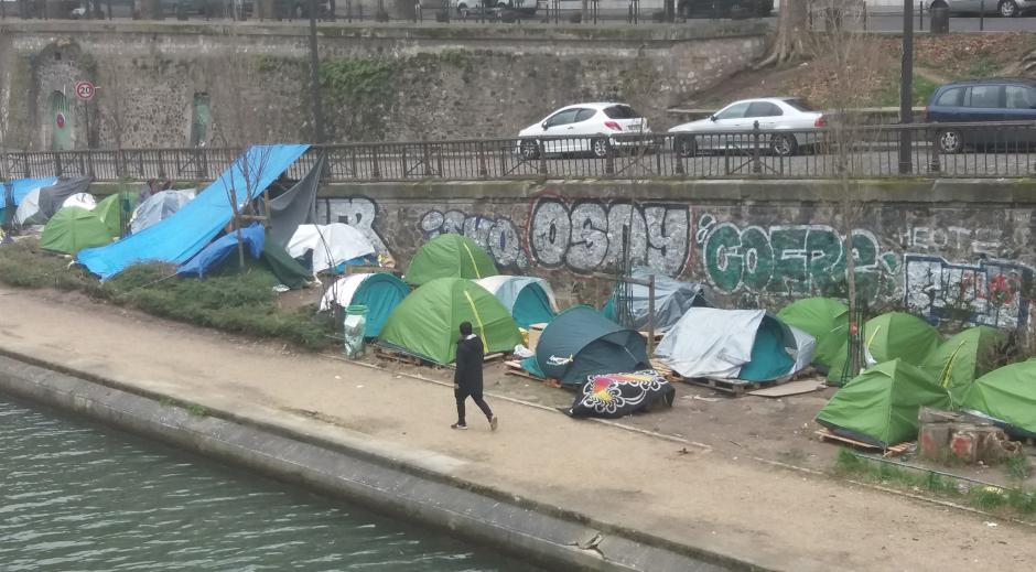 MIGRANTS À PARIS