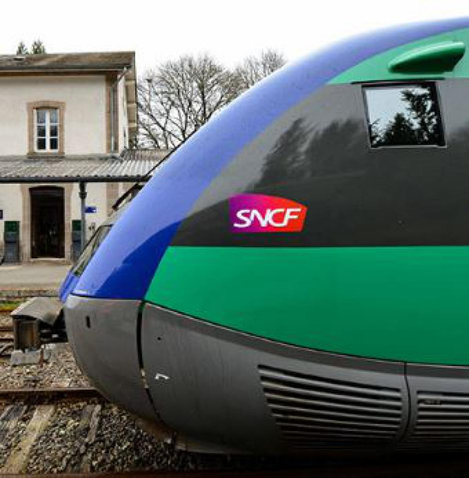 NOUVEAU PACTE FERROVIAIRE > Les sénateurs communistes contre la casse du service public ferroviaire